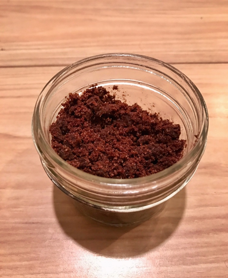 how to make do-it-yourself cinnamon face scrub, DIY, skin care, beauty tips, recipe